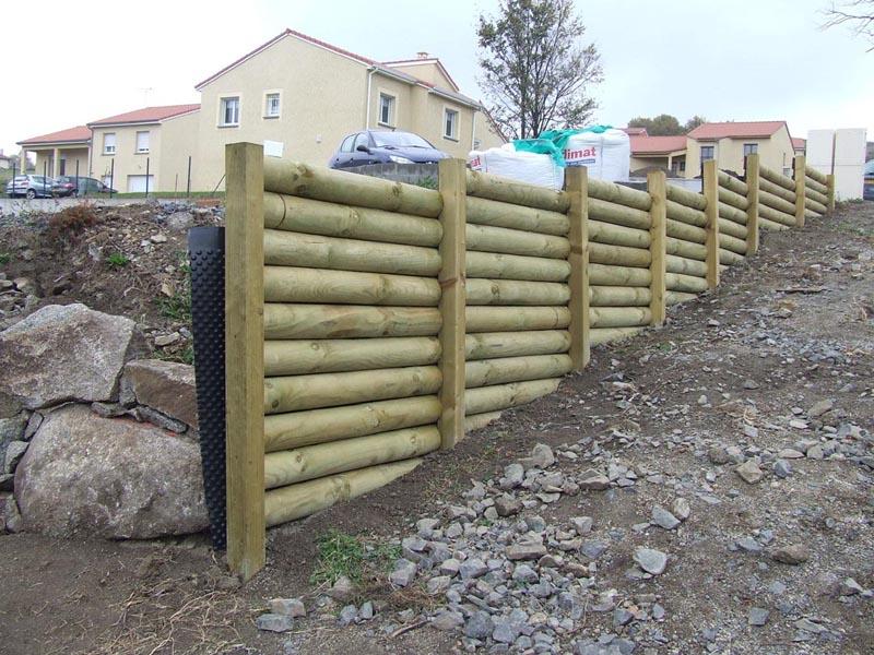 Une maison en auvergne enfin des photos d 39 int rieur messages n 361 n 376 - Comment construire un mur de soutenement en bois ...
