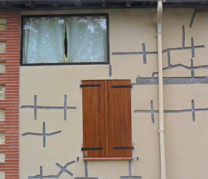 fissure en escalier sur l 39 ext rieur d 39 un mur r solu 6 messages. Black Bedroom Furniture Sets. Home Design Ideas