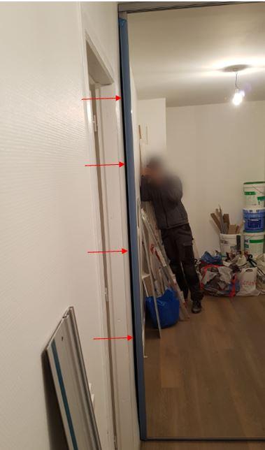 mur pas droit et porte de placard 5 messages. Black Bedroom Furniture Sets. Home Design Ideas
