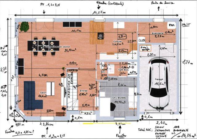 Le Plan Des Combles Aménagés. Pas De Calcul De Surface Disponible Mais On  Devrait à Mon Avis Tourner Autour Des 40m² De SH