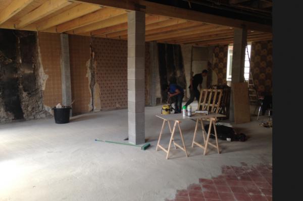 accrocher des poutrelles beton a une poutre bois ancienne 11 messages. Black Bedroom Furniture Sets. Home Design Ideas