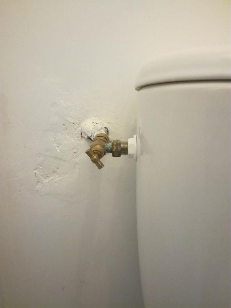 Comment Cacher L Arriver D Eau Des Toilettes 9 Messages