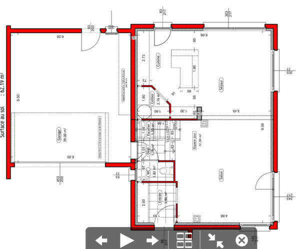 a savoir que la maison est sur vide sanitaire pas de sous sol possible en raison de la nappe phratique demi niveaux 127 m2 habitable