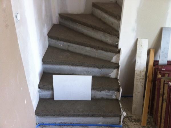 chape etage et marche escalier 14 messages. Black Bedroom Furniture Sets. Home Design Ideas