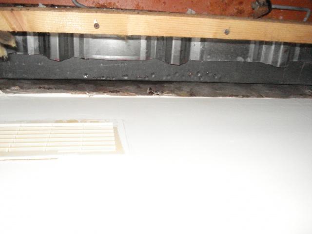 condensation sous bac acier isol 9 messages. Black Bedroom Furniture Sets. Home Design Ideas