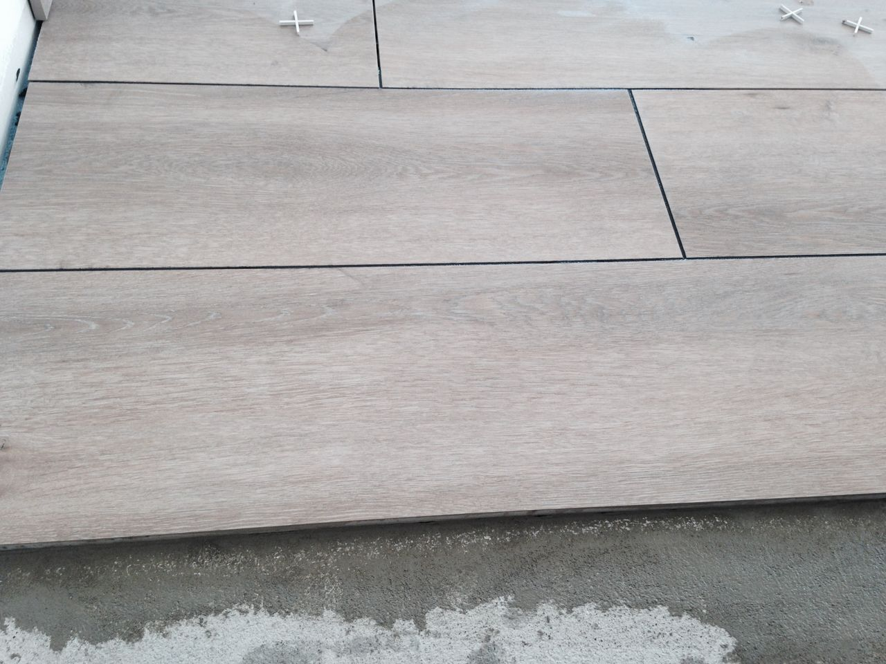 Quelle couleur de joints pour carrelage imitation parquet for Couleur gris anthracite
