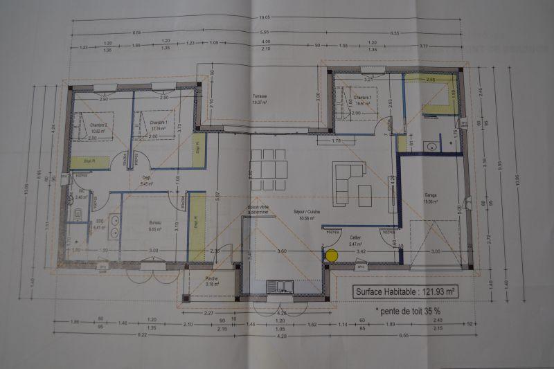 avis sur 2 plans de maisons plain pied 12 messages. Black Bedroom Furniture Sets. Home Design Ideas