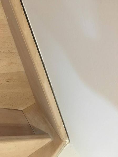 escalier d cal du mur 6 messages. Black Bedroom Furniture Sets. Home Design Ideas