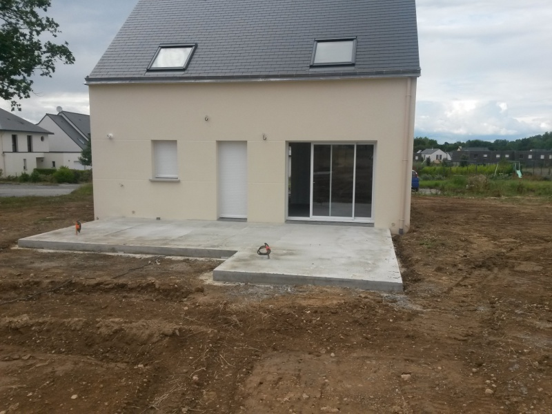 Quoi faire sur une dalle de terrasse en b ton r solu for Dalle beton finition quartz