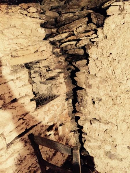 fissure sur mur en schiste impermeabiliser un mur exterieur
