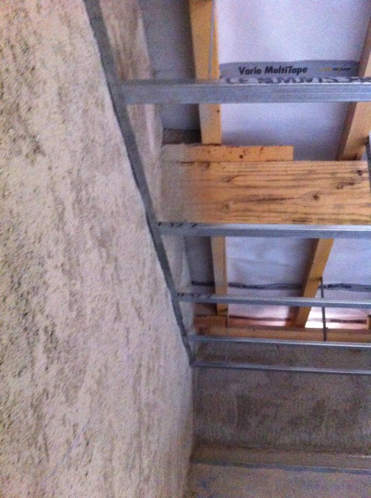 fourrure rampant prise sur lisse fixer sur mur pignon 7 messages. Black Bedroom Furniture Sets. Home Design Ideas