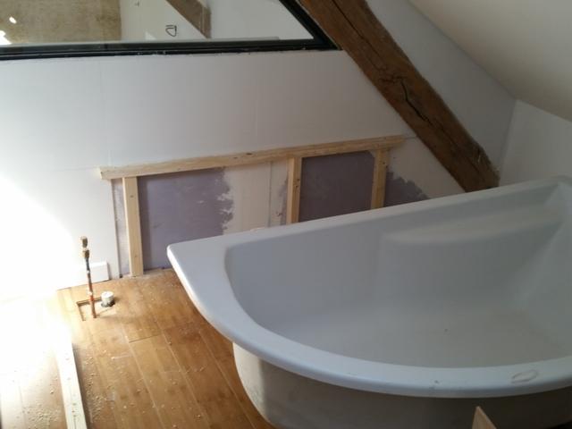 comment habiller une baignoire d 39 angle 35 messages page 3. Black Bedroom Furniture Sets. Home Design Ideas