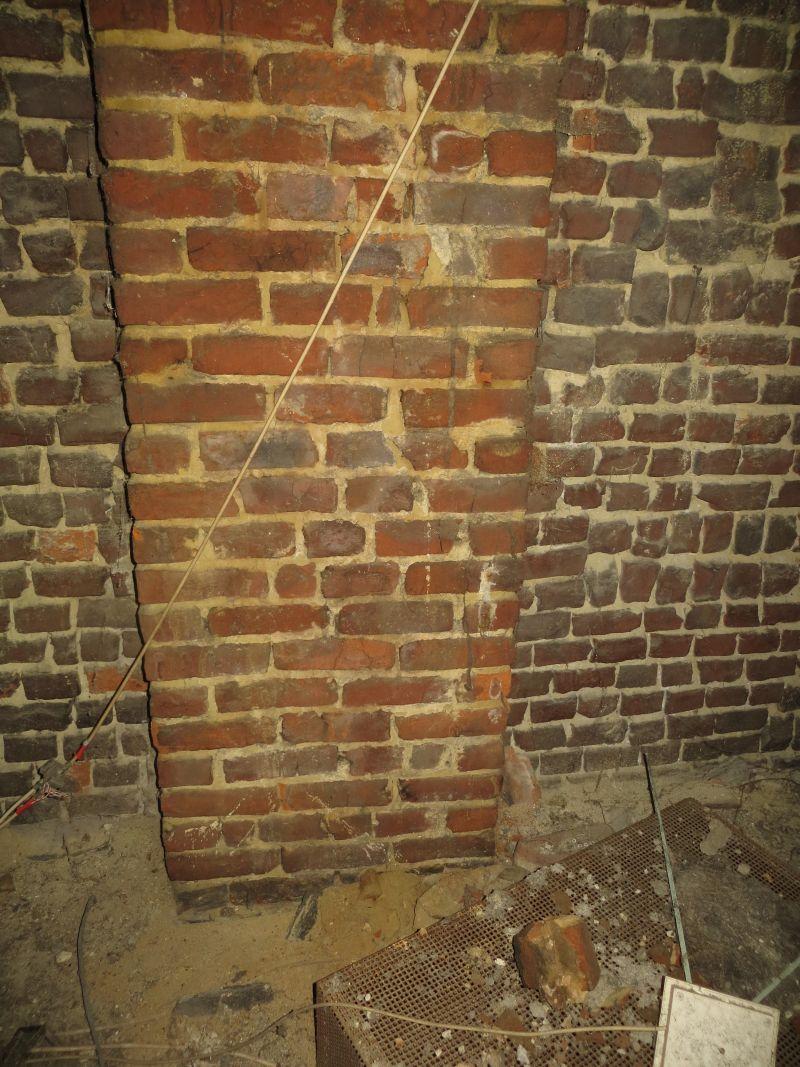 Supprimer conduit bosseaux avant pose d 39 un po le b ches - Demolition cheminee ancienne ...