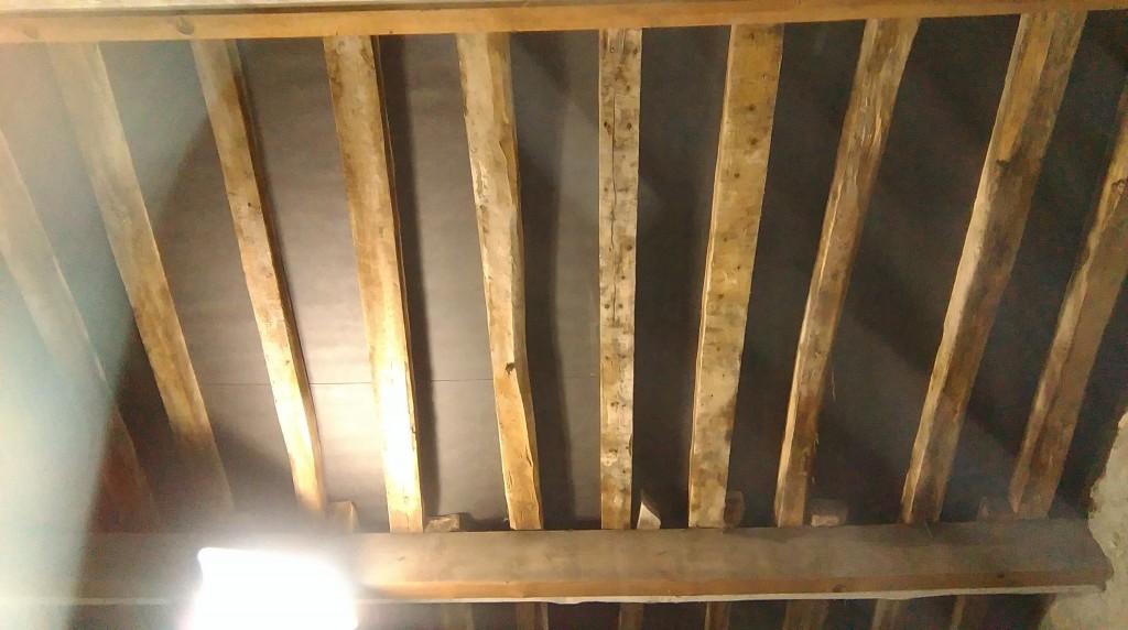 Isolation ancienne maison isolation toiture en fibre de for Conseil isolation maison ancienne
