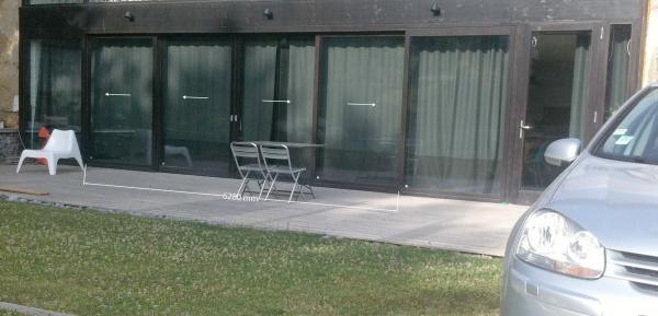 isoler une grande baie vitr e du soleil matinal l 39 t. Black Bedroom Furniture Sets. Home Design Ideas
