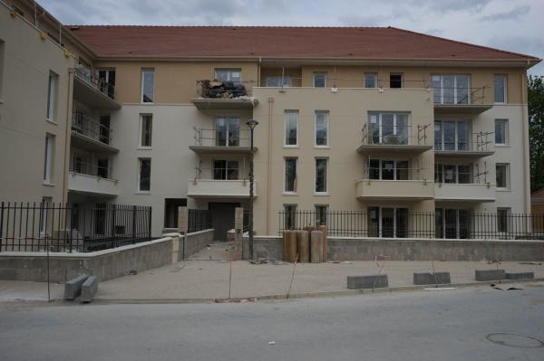 Le jardin des sens villenoy kaufman and broard groupes for Constructeur maison individuelle kaufman