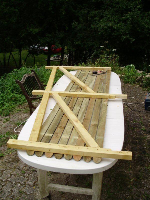 potager en jardinire latest carr potager surlev construire soimme en bois massif pour cultiver. Black Bedroom Furniture Sets. Home Design Ideas