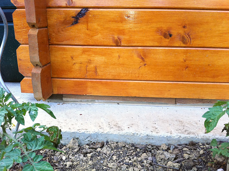 Comment fixer un abri de jardin sur une dalle beton - Cabanes and co