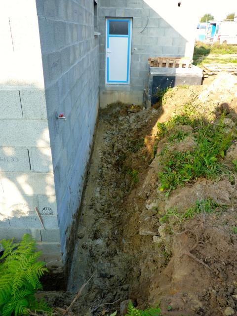 drainage terrain argileux maison une autre solution. Black Bedroom Furniture Sets. Home Design Ideas