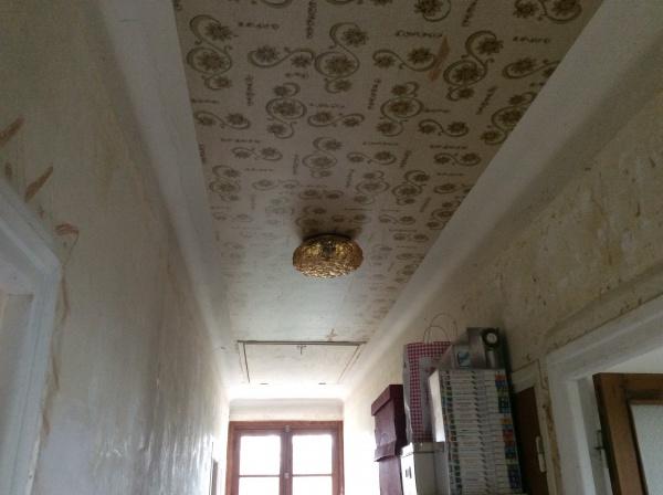 peinture ou toile de verre sur plafond avec vieux papier pei 5 messages. Black Bedroom Furniture Sets. Home Design Ideas