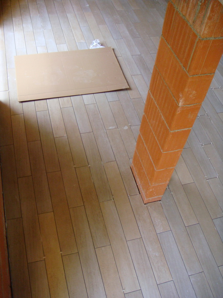 Pose carrelage imitation parquet sans joint blog de for Pose carrelage sans joint