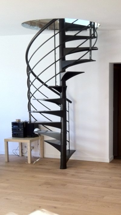 escalier helicoidal metal beautiful escalier helicoidal metal et bois occasion with escalier. Black Bedroom Furniture Sets. Home Design Ideas