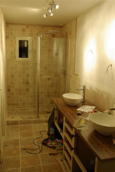 Pose travertin dans salle de bain besoin conseils - 9 messages
