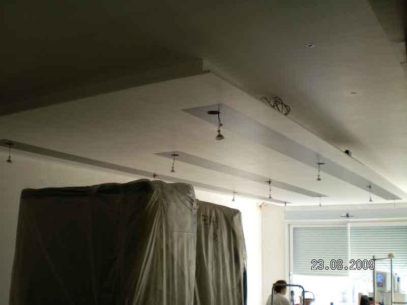 pose de spot encastrable au plafond avec laine de verre. Black Bedroom Furniture Sets. Home Design Ideas