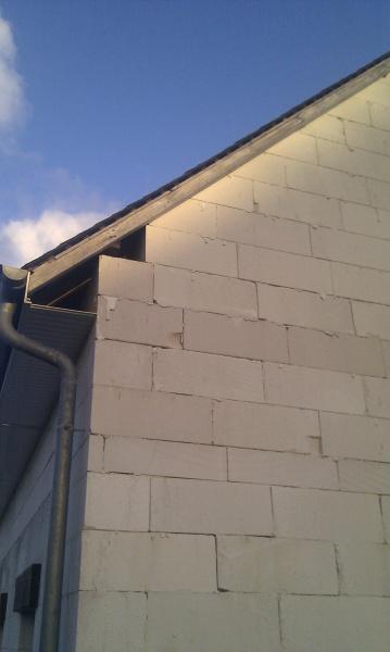 Maison en siporex pour la fissure de derrire on peut voir qui commence en bas et quand ca - Utilisation du beton cellulaire en exterieur ...