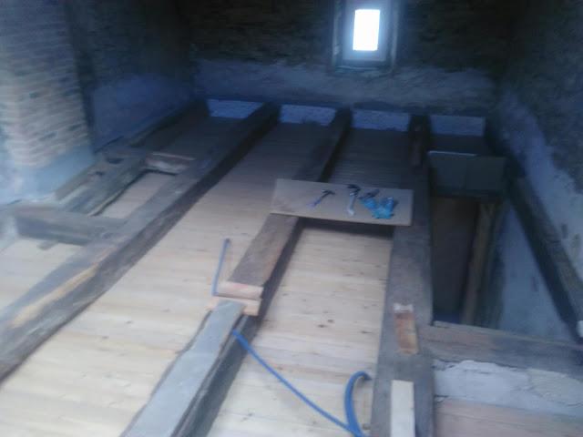 r novation grenier cr ation plancher. Black Bedroom Furniture Sets. Home Design Ideas