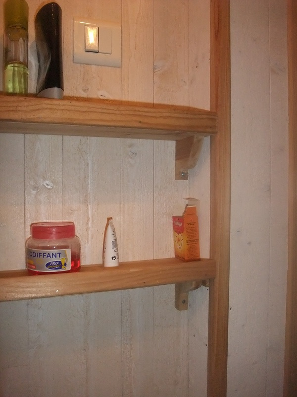 r novation d 39 une petite salle de bain 24 messages page 2. Black Bedroom Furniture Sets. Home Design Ideas