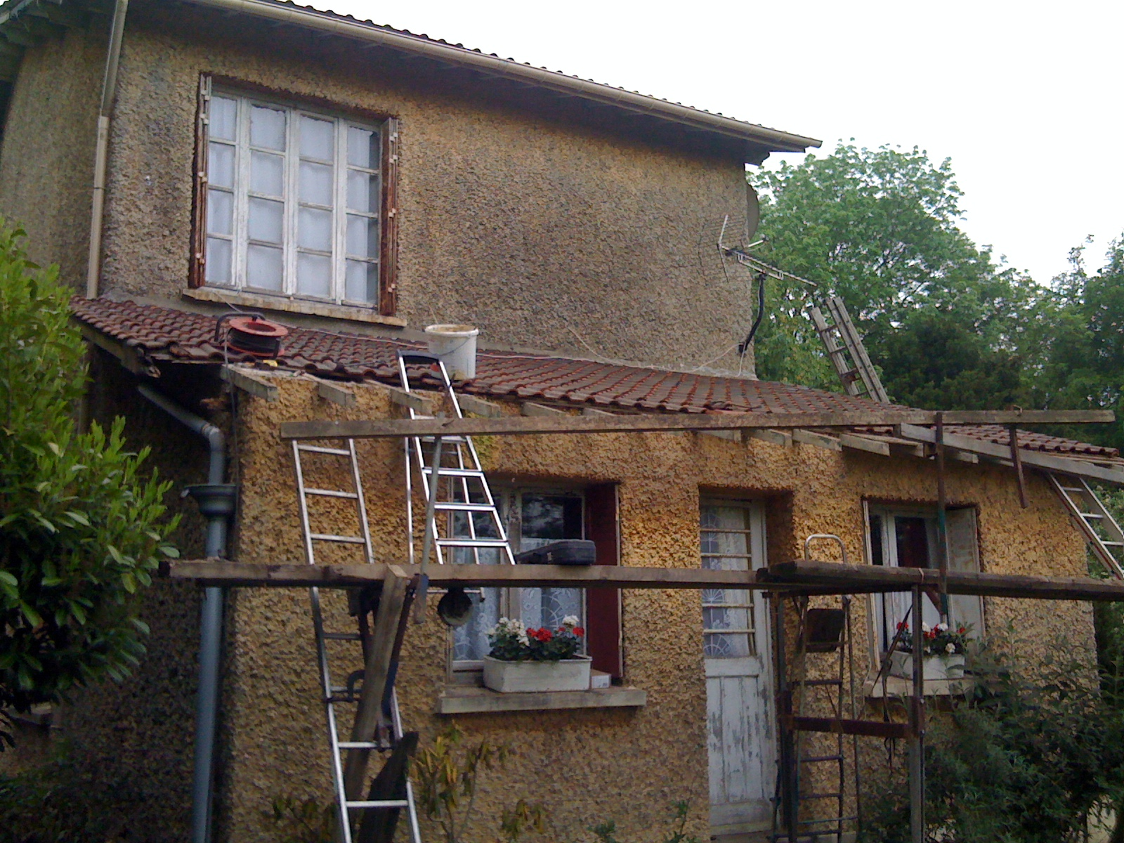 Renovation toiture tuile gallery of renovation toiture for Petite tuile canal