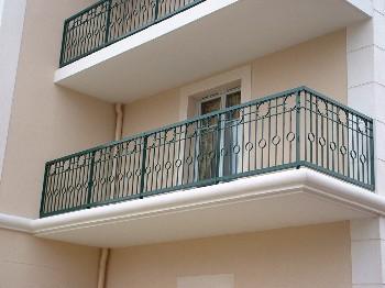 reprise balcon en porte a faux sur mur en pierre de meuliere 41 messages. Black Bedroom Furniture Sets. Home Design Ideas