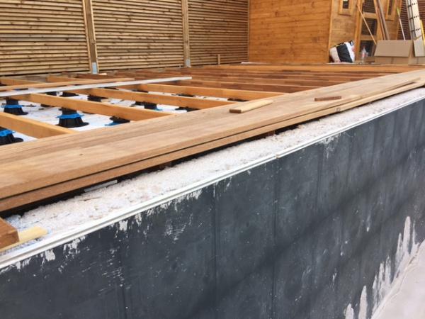 lame de terrasse cumaru best plage de piscine avec lames en bois exotique cumaru classe with. Black Bedroom Furniture Sets. Home Design Ideas