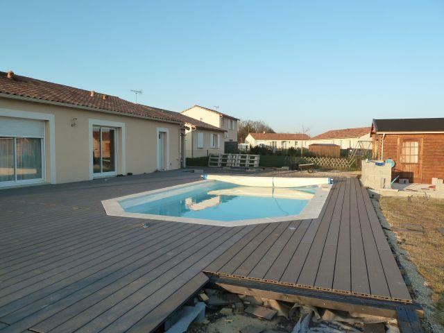 Terrasse plage piscine en composite geolam dans le 86 103 messages page 4 for Forum terrasse composite