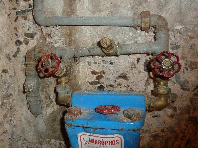 fuite robinet arrive d eau dvisser le robinet duarrt du flotteur with fuite robinet arrive d. Black Bedroom Furniture Sets. Home Design Ideas